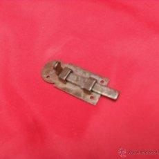 Antiquités: PEQUEÑO CERROJO ANTIGUO . Lote 45519028