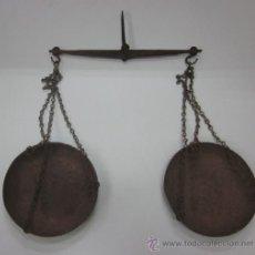 Antigüedades: ANTIGUA BALANZA DE PLATOS. Lote 45548583