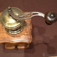 Antigüedades: MOLINILLO DE CAFÉ PETER DIENES SÓLIDA PE DE ( 15 X 15 X 27 Y 1 KGRS ). Lote 45550601