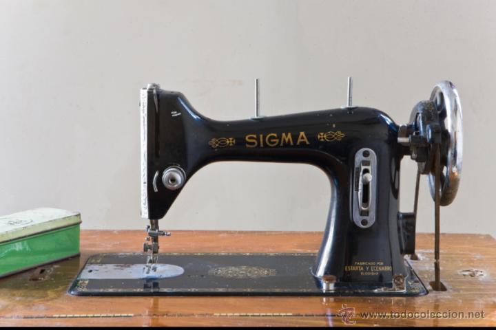 ANTIGUA MAQUINA DE COSER SIGMA A 107-6 (Antigüedades - Técnicas - Máquinas de Coser Antiguas - Sigma)