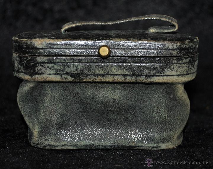 Antigüedades: BINOCULARES DE TEATRO DE FINALES DEL SIGLO XIX EN BRONCE Y PLACAS DE NÁCAR, CON SU FUNDA - Foto 2 - 45610653