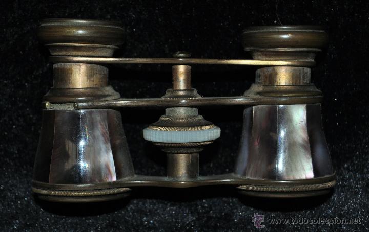 BINOCULARES DE TEATRO DE PRINCIPIOS DEL SIGLO XX EN BRONCE Y PLACAS DE NÁCAR (Antigüedades - Técnicas - Instrumentos Ópticos - Binoculares Antiguos)