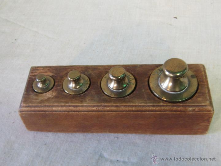 Antigüedades: JUEGO DE 4 PESAS EN BRONCE CON CAJA DE MADERA - Foto 2 - 46353480