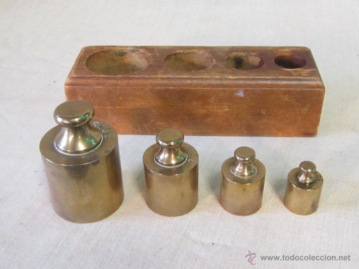 Antigüedades: JUEGO DE 4 PESAS EN BRONCE CON CAJA DE MADERA - Foto 3 - 46353480