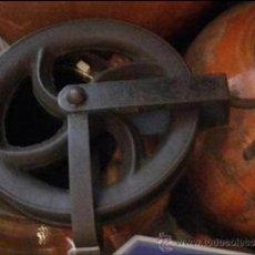 Antigüedades: ANTIGUA POLEA DE HIERRO FORJADO 29 CM !!!!!. Lote 38730994