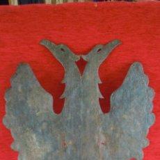 Antigüedades: CHAPA CON CIERTO GROSOR ANTIGUA DE AGUILA BICEFALA BONITA.. Lote 45693713