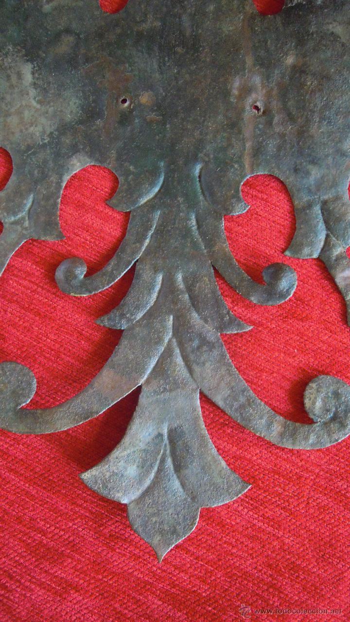 Antigüedades: CHAPA CON CIERTO GROSOR ANTIGUA DE AGUILA BICEFALA BONITA. - Foto 3 - 45693713