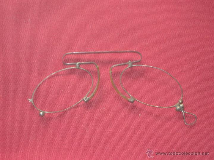 PEQUEÑAS GAFAS SIN LOS CRISTALES - COMO SE VE EN LAS FOTOS (Antigüedades - Técnicas - Instrumentos Ópticos - Gafas Antiguas)