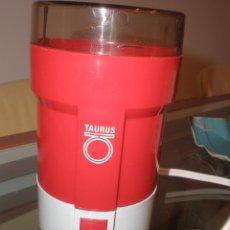 Antigüedades: MOLINILLO DE CAFE ELECTRICO VINTAGE ' TAURUS ' AÑOS 70 (NO FUNCIONA). Lote 87708571
