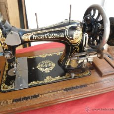 Antiquités: ANTIGUA Y PRECIOSA MÁQUINA DE COSER FRISTER& ROSSMANN DE 1920 APROX. Lote 45940567