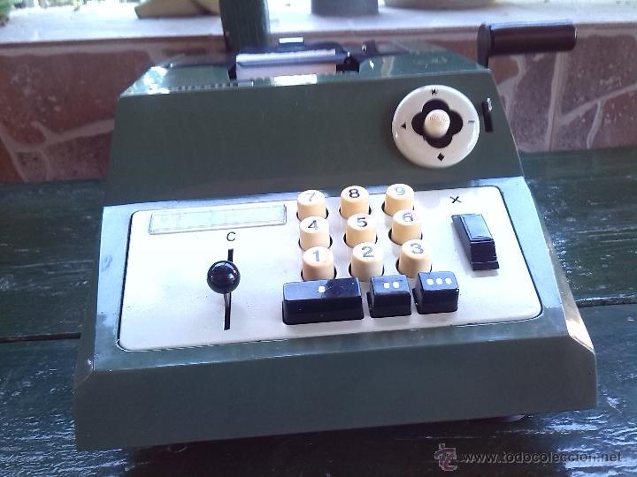 Antigüedades: antigua calculadora olivetti, hacia 1950-60 - Foto 2 - 45964593