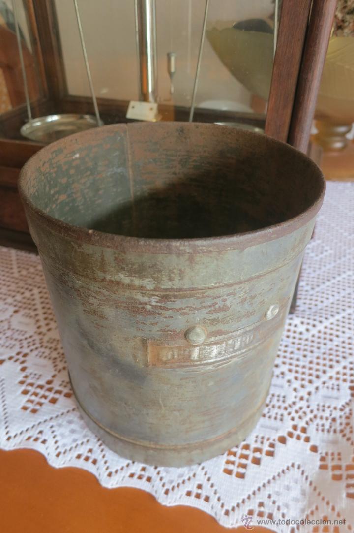 Antigüedades: medida para liquidos de doble litro - Foto 6 - 46106491