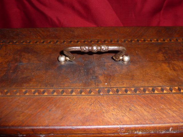 Antigüedades: ANTIGUA MAQUINA DE COSER DE LA MARCA FISTER & ROOSMANN DE MEDIADOS DE 1800 CON TAPADERA DE MARQUETER - Foto 11 - 46137169