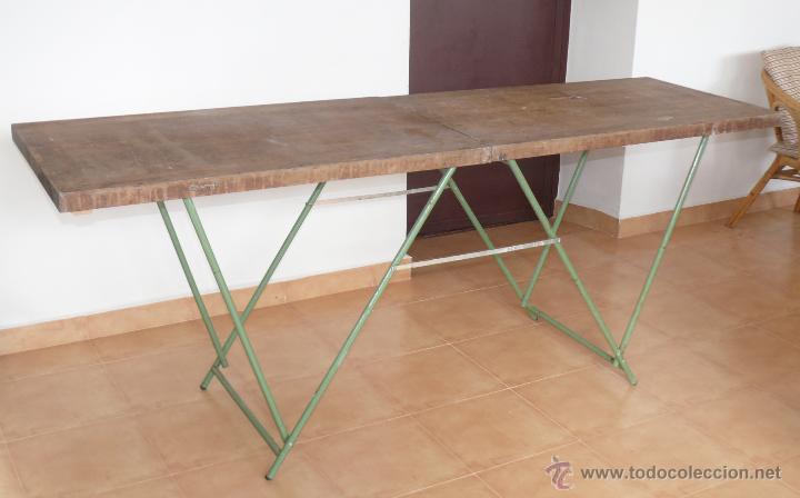 Gran mesa plegable madera y hierro industrial d comprar - Mesa para empapelar ...