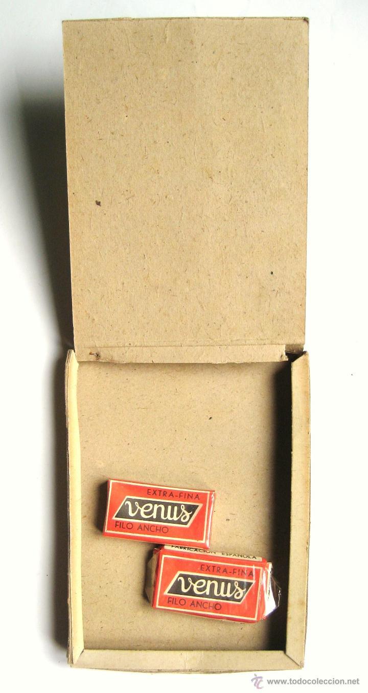 Antigüedades: EXPOSITOR PUBLICIDAD DE CUCHILLAS HOJAS DE AFEITAR VENUS AÑOS 50 - Foto 2 - 46210798