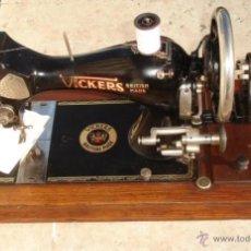 Antigüedades: ANTIGUA MAQUINA DE COSER VICKERS, AÑO C. 1930- FUNCIONA Y COSE. Lote 46379566