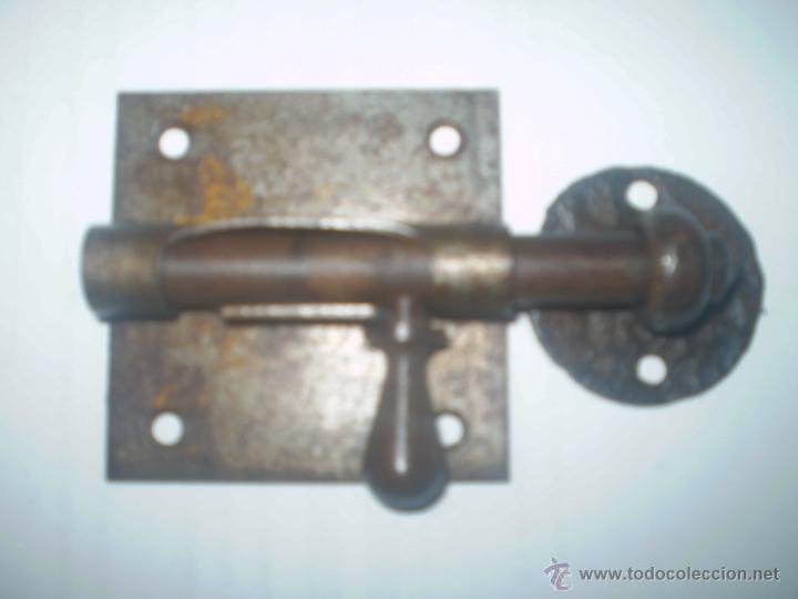 CIERRE DE HIERRO PRINCIPIOS S XX (Antigüedades - Técnicas - Cerrajería y Forja - Pestillos Antiguos)