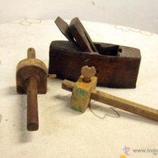 Antigüedades: LOTE DE HERRAMIENTAS DE CARPINTERO / EBANISTA. 2 GRAMIL + 1 CEPILLO. . Lote 46511663
