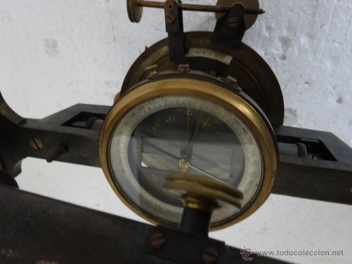 Antigüedades: TEODOLITO EN BRONCE CON BRÚJULA CENTRAL PRINCIPIOS SIGLO XX - 30 - Foto 2 - 44278362