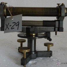 Antigüedades: NIVEL TOPOGRÁFICO CON BRÚJULA SIGLO XX - 29. Lote 44278375