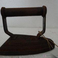 Antigüedades: PLANCHA DE HIERRO MACIZA - 281. Lote 43016991