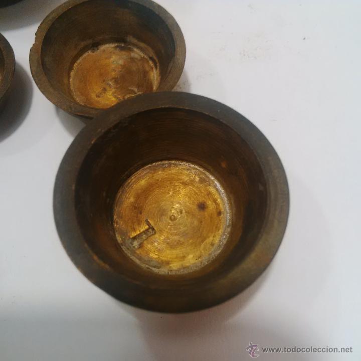 Antigüedades: ANTIGUOS PONDERALES DE BRONCE CON VASOS ANIDADOS PARA PESAR ORO -SIGLO XVIII - Foto 5 - 46612577