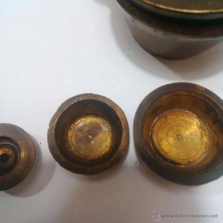 Antigüedades: ANTIGUOS PONDERALES DE BRONCE CON VASOS ANIDADOS PARA PESAR ORO -SIGLO XVIII - Foto 6 - 46612577