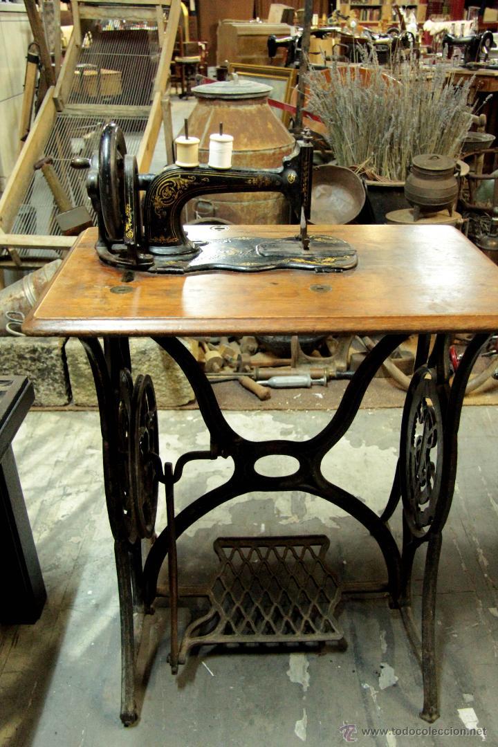 Antigua y muy rara maquina de coser singer, con - Vendido