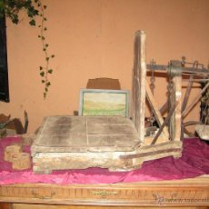 Antigüedades: BÁSCULA RARA MUY ANTIGUA. Lote 46726200