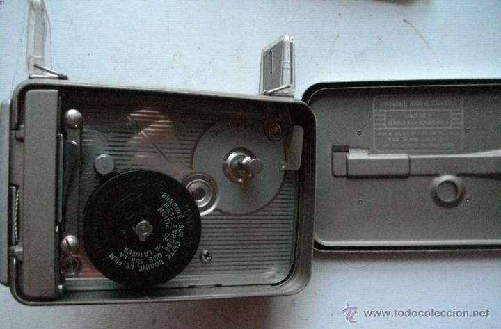 Antigüedades: ANTIGUA RARA CAMARA DE CINE A CUERDA 8 mm USA AÑOS 40/50 KODAK BROWNIE MOVIE MODELO IIA + FUNDA - Foto 2 - 46791067