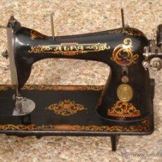 Antigüedades: PRECIOSA Y ANTIGUA MAQUINA DE COSER, ALFA, ESPAÑA, EN BUEN ESTADO. Lote 46839466