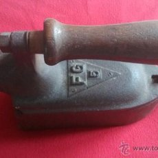Antiquités: ANTIGUA PLANCHA DE CARBON. Lote 46910083
