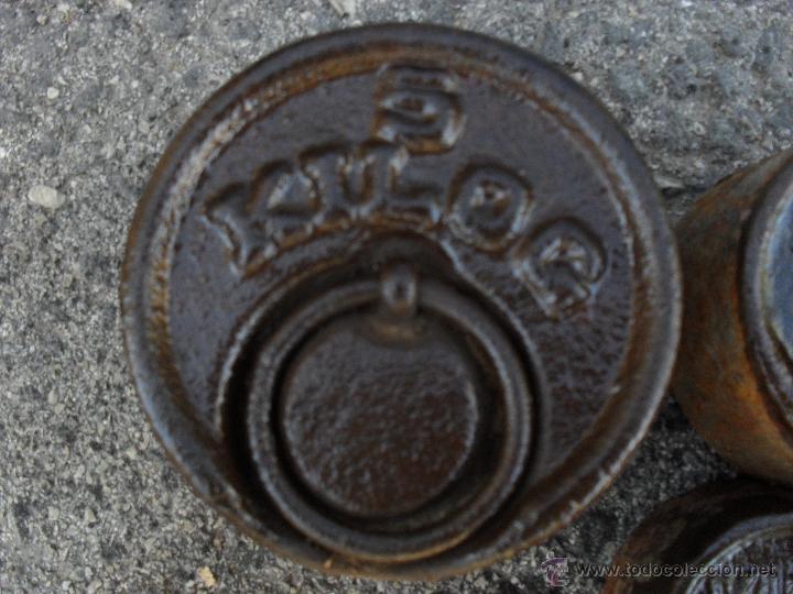 Antigüedades: JUEGO DE CINCO PESAS DE HIERRO ,NUMERO 2 - Foto 2 - 47002393