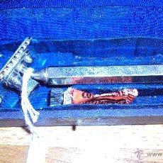 Antigüedades: MAQUINILLA AFEITAR IRO SISTEMA OBLICUO -RARA Y DIFICIL-. Lote 47059543