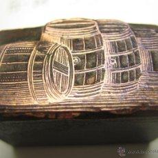 Antigüedades: IMPRENTA GRABADO GALVANO BRONCE-PLOMO - MOTIVO CUBAS VINO - TAMAÑO 17X31 MM - REF. BP 1. Lote 49265946