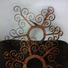Antigüedades: PORTA ALMIRECES DE FORJA SEVILLANA. Lote 278361843