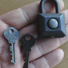 Antigüedades: ANTIGUO CANDADO RGM 406 CON SUS DOS LLAVES Y FUNCIONANDO MUY BUENA CONSERVACION. Lote 47321216