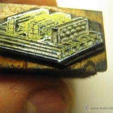 Antigüedades: IMPRENTA, GRABADO DE METAL MONTADO EN MADERA PARA PODER IMPRIMIR -REF. G-54 MEDIDAS EN FOTO. Lote 47342040