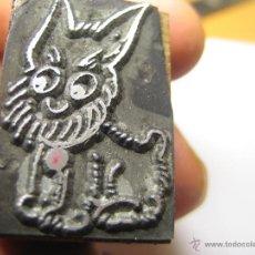 Antigüedades: IMPRENTA, GRABADO DE METAL MONTADO EN MADERA PARA PODER IMPRIMIR -REF. G-100D MEDIDAS EN FOTO. Lote 47343919