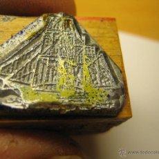 Antigüedades: IMPRENTA, GRABADO DE METAL MONTADO EN MADERA PARA PODER IMPRIMIR -REF. G-106 MEDIDAS EN FOTO. Lote 47344216