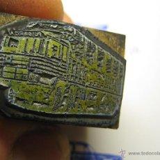 Antigüedades: IMPRENTA, GRABADO DE METAL MONTADO EN MADERA PARA PODER IMPRIMIR -REF. G-123 MEDIDAS EN FOTO. Lote 47345205