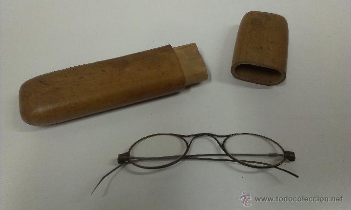 MUY ANTIGUAS GAFAS . FUNDA DE MADERA ORIGINAL (Antigüedades - Técnicas - Instrumentos Ópticos - Gafas Antiguas)