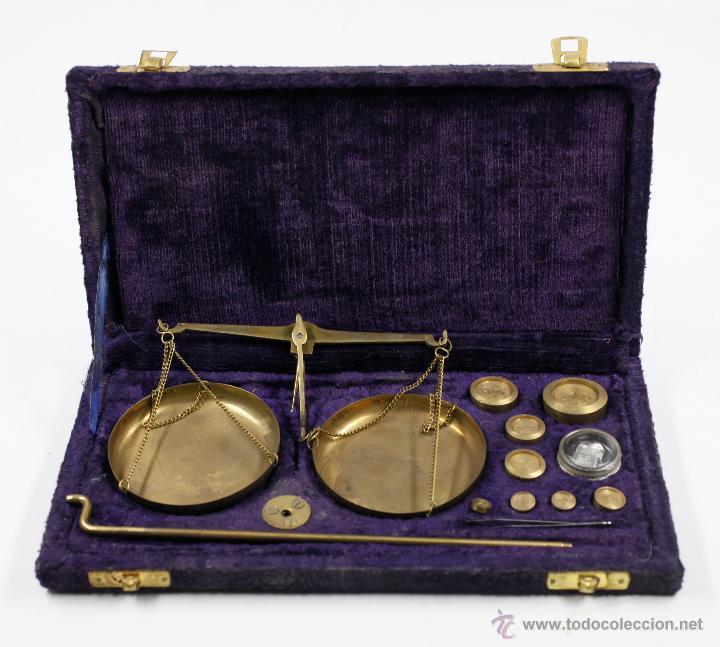 BALANZAS ANTIGUAS EN ESTUCHE ORIGINAL 13X25 CM. S.XIX (Antigüedades - Técnicas - Medidas de Peso - Balanzas Antiguas)