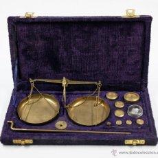 Antigüedades: BALANZAS ANTIGUAS EN ESTUCHE ORIGINAL 13X25 CM. S.XIX. Lote 47466212