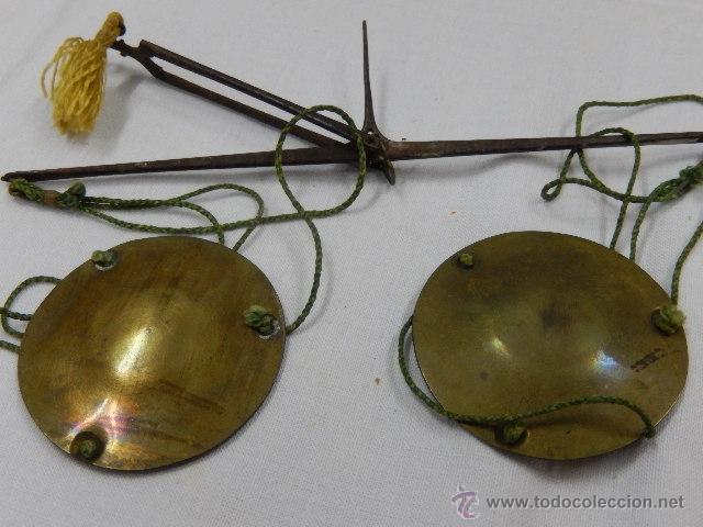 Antigüedades: Balanza pesa monedas. Siglos XVII / XVIII. - Foto 5 - 47494966