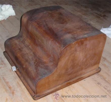 Antigüedades: Caja de maquina de escribir continental. Medida 46 x 47 x29 cm - Foto 3 - 47575926