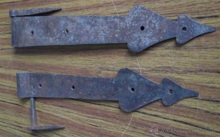 DOS BISAGRAS -- DE HIERRO (Antigüedades - Técnicas - Cerrajería y Forja - Bisagras Antiguas)