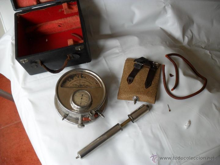 Antigüedades: tensiometro,oscilometro antiguo,principio siglo pasado,con bomba en lugar de perilla - Foto 4 - 47860342
