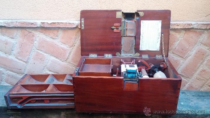 Antigüedades: Registradora de madera y bronce - Foto 2 - 47917186