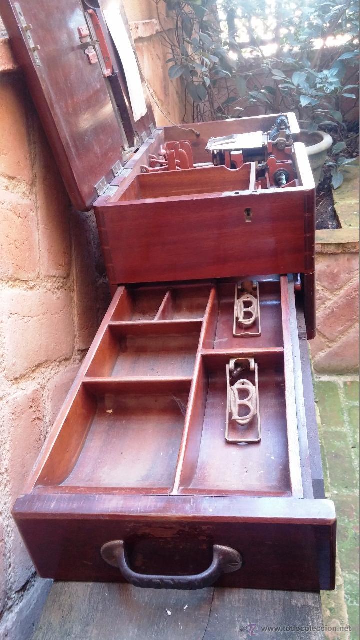 Antigüedades: Registradora de madera y bronce - Foto 3 - 47917186